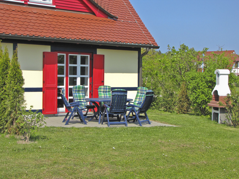 Ferienwohnung Dranske Bakenberg auf Ruegen: Insel Ruegen Maisonettewohn. Sommerfeld