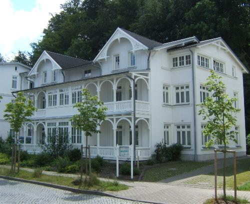 ferienwohnung binz ruegen 2 zi fewo villa amanda insel ruegen deutschland. Black Bedroom Furniture Sets. Home Design Ideas