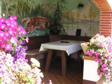 Ferienwohnung Maehring: Ferienwohnung Gaensebluemchen im Haus Resi