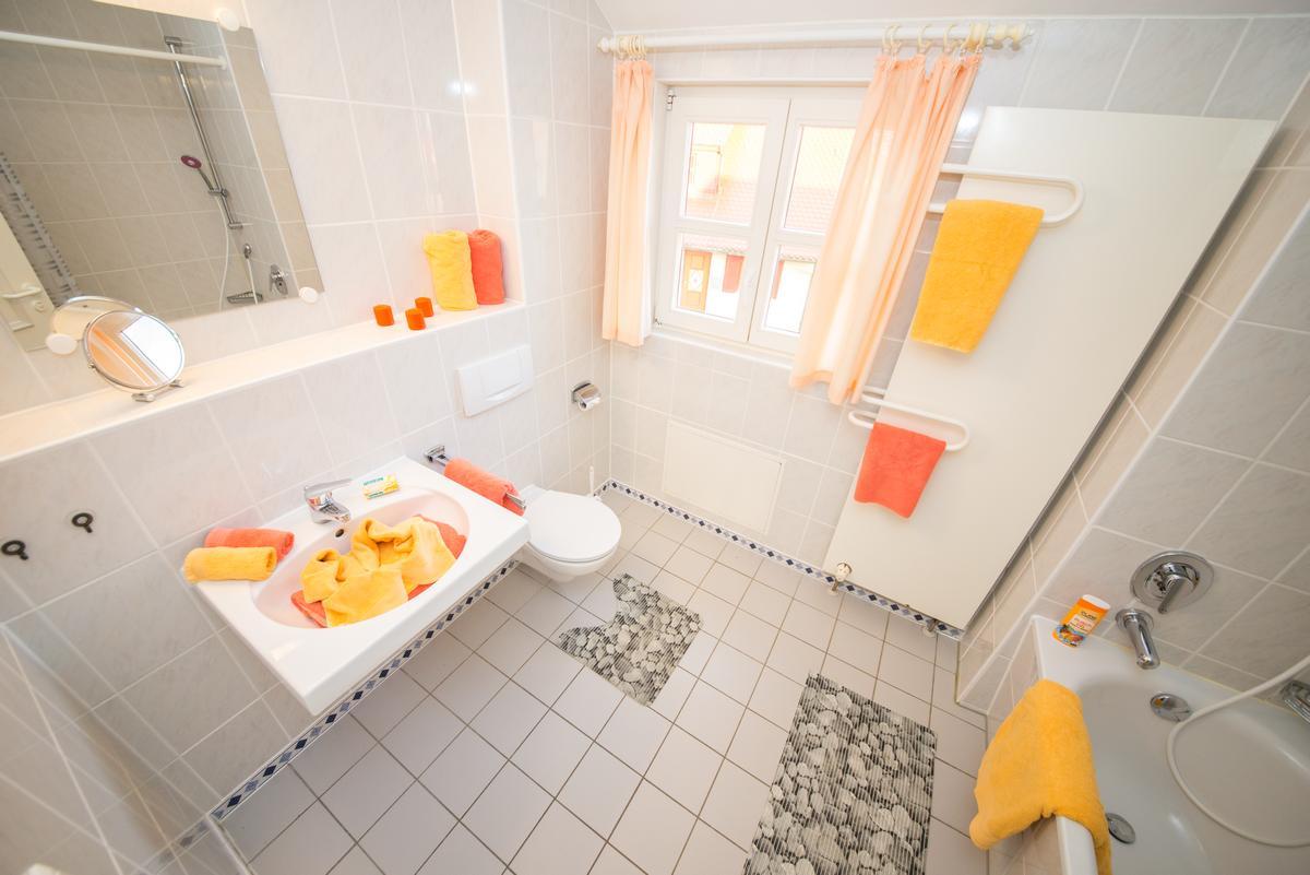 Ferienwohnung 18556 Bakenberg: B49 –300m vom Strand 2 Schlafzimmer WLAN