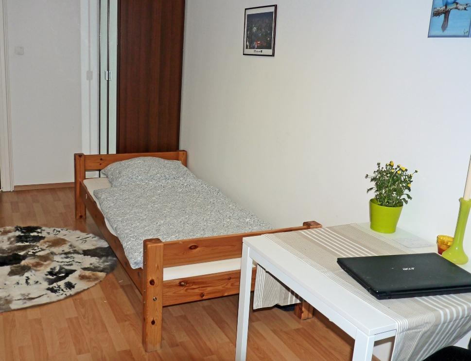 Ferienzimmer Muenchen: Gaestezimmer Edi 17